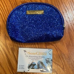 Senegence bag and oil absorbing sheets